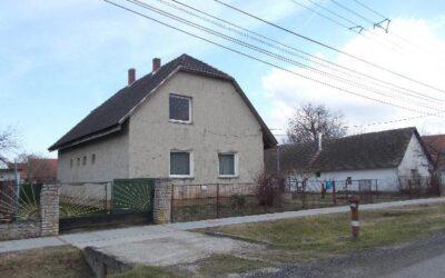 Ingatlan Ságvár, Dózsa György utca 28.